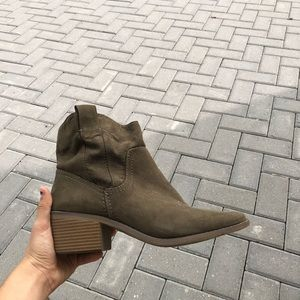 Merona Ankle 9.5 Green Women Suede Olive Booties